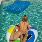 ex-copine-nue-piscine (2)